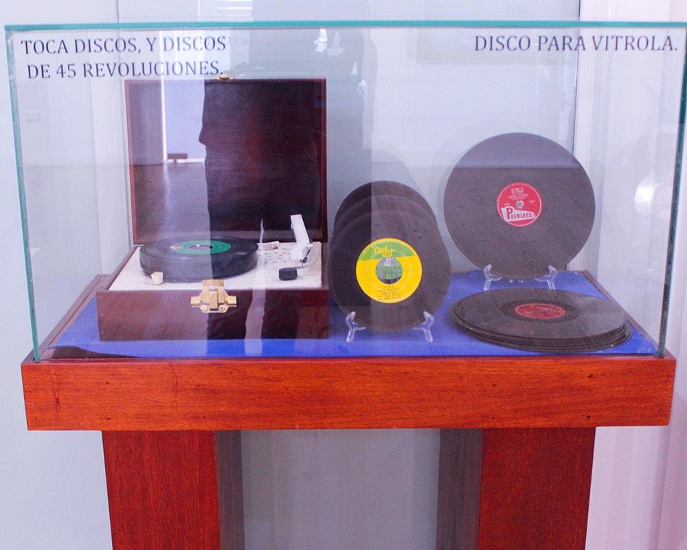 La voz del yuna 1000x800 discos-min