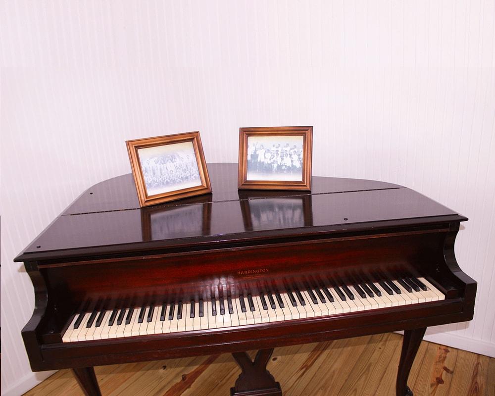 La voz del yuna 1000x800 piano-min
